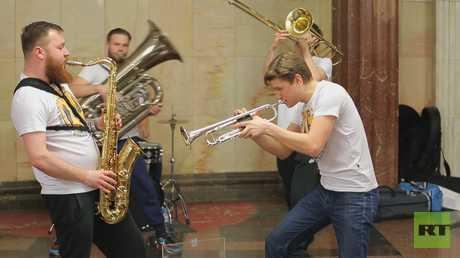 الموسيقى في مترو الأنفاق
