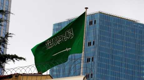 العلم السعودي يرفرف فوق قنصلية المملكة في إسطنبول، تركيا، 4 أكتوبر، 2018