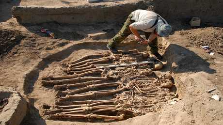 العثور على قطع أثرية تعود إلى العصر البرونزي بالرقب من روستوف