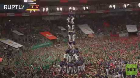 شاهد.. منافسة لبناء أبراج بشرية فى كتالونيا