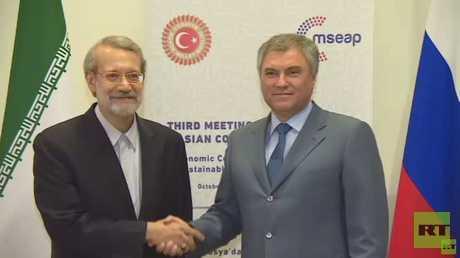 رئيس المجلس النواب الروسي، فياتشيسلاف فولودين، مع رئيس البرلمان الإيراني، علي لاريجاني