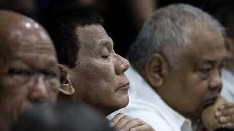 الرئيس الفلبيني.. لا إصابة بالسرطان لكن التشخيص طي الكتمان!