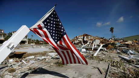 """آثار دمار سببها إعصار """"مايكل"""" في مدينة مكسيكو بيتش بولاية فلوريدا الأمريكية"""