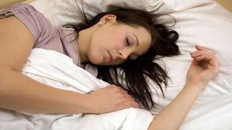 الأفضل أن تنام المرأة بلا حمالة الصدر