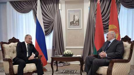 الرئيسان الروسي فلاديمير بوتين والبيلاروسي ألكسندر لوكاشينكو