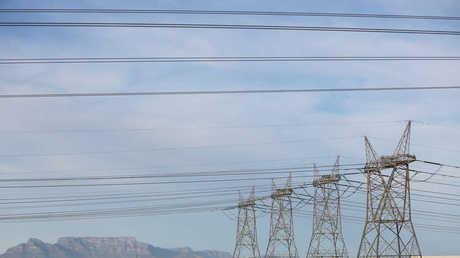 روسيا تورد الكهرباء إلى إيران