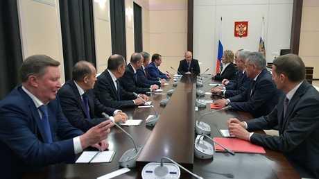 اجتماع الرئيس بوتين مع أعضاء مجلس الأمن القومي الروسي
