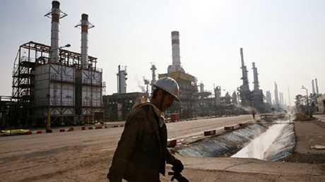 أرشيفية لأحد حقول النفط في إيران