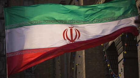 العلم الإيراني- أرشيف