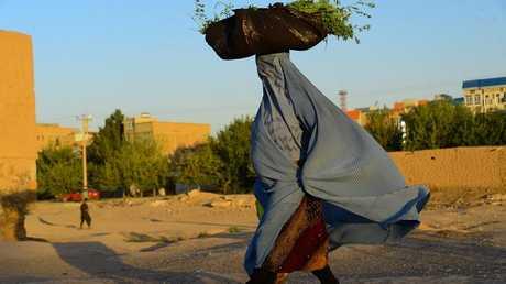 امرأة أفغانية - أرشيف
