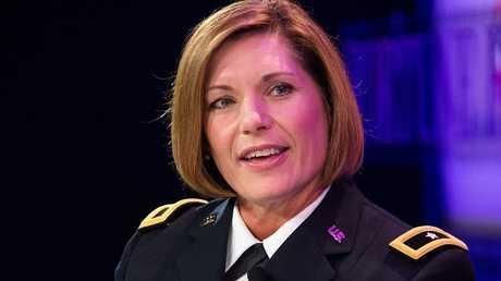 الفريق في الجيش الأمريكي  لورا جي ريتشاردسون