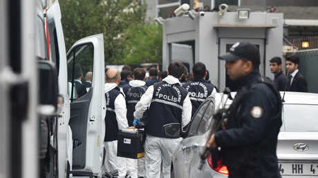 الشرطة التركية تقوم بأعمال التحقيق في مبنى القنصلية السعودية في إسطنبول، 17 أكتوبر 2018