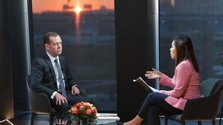 مقابلة رئيس الوزراء الروسي دميتري مدفيديف مع قناة