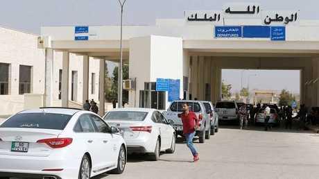 النقل الأردنية تكشف عدد المغادرين عبر معبر جابر نصيب في أول يوم بعد افتتاحه