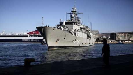 فرقاطة تابعة للبحرية اليونانية - أرشيف -