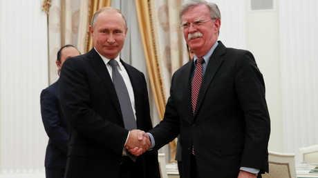 الرئيس الروسي، فلاديمير بوتين، يلتقي في موسكو مستشار الأمن القومي الأمريكي، جون بولتون