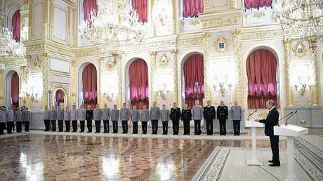 الرئيس الروسي فلاديمير بوتين خلال كلمة في مراسم اجتماع مع كبار الضباط والمدعين العامين