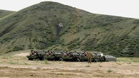 التحضير لإتلاف الصواريخ على أراضي كازاخستان بالاتحاد السوفيتي. عام 1988
