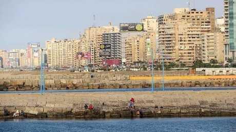 اختفاء المواطنين من شوارع الإسكندرية بعدما غمرتها المياه! (صور)