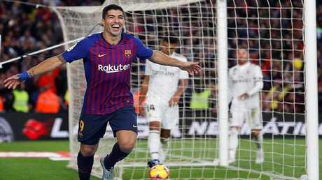 برشلونة يسحق ريال مدريد في كلاسيكو الأرض