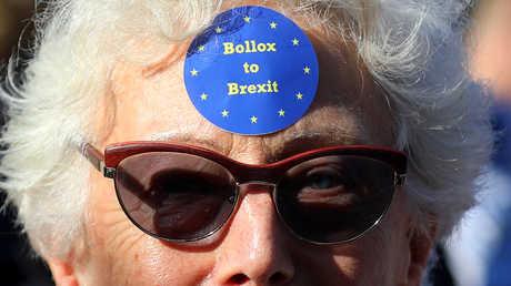 بريطانيا تودع أوروبا بقطعة نقدية جديدة