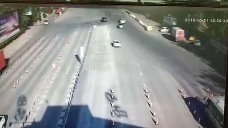 كاميرات مراقبة في سيتشوان تسجل هزة أرضية في شيتشانغ الصينية