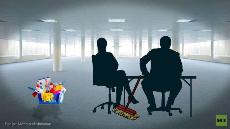 محلل سياسي أم عامل نظافة؟
