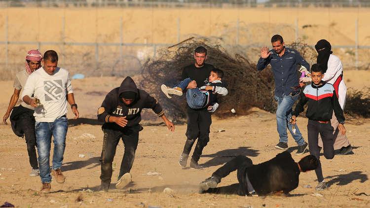 إصابة أكثر من 30 فلسطينيا برصاص الجيش الإسرائيلي على حدود غزة