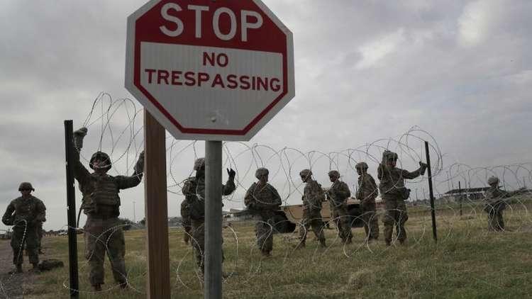 البنتاغون يرفض طلب البيت الأبيض إنشاء معسكرات للمهاجرين على حدود المكسيك