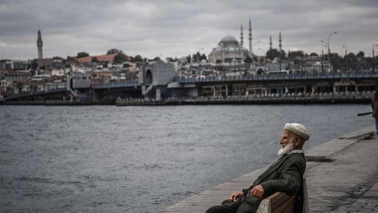 نائب معارض يدعو إلى رفع الأذان باللغة التركية.. وأردوغان يرد بتاريخ رجعي!