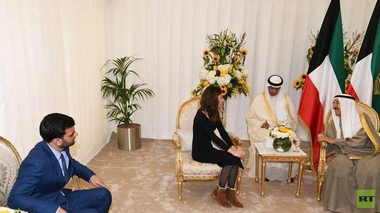 بالفيديو والصور..  أمير الكويت يستقبل نادية مراد الحائزة جائزة نوبل للسلام