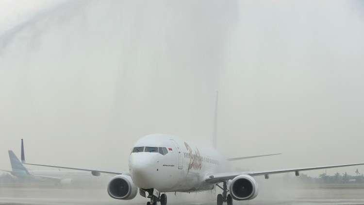 اصطدام طائرة ركاب إندونيسية بعمود إنارة