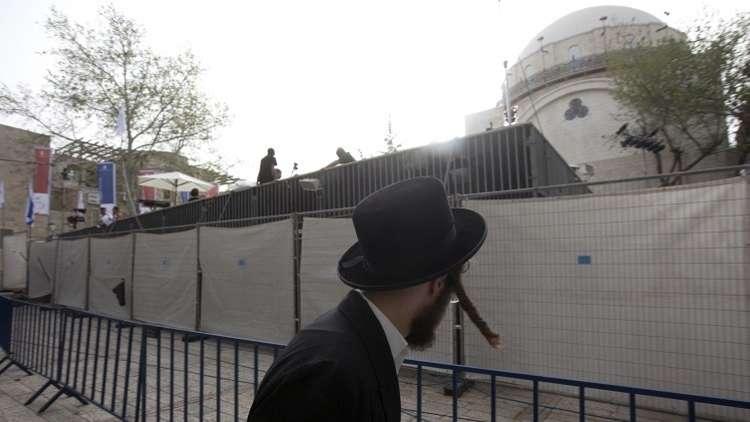 مجهولون يعلّقون رأس خنزير على مدخل كنيس يهودي في إسرائيل