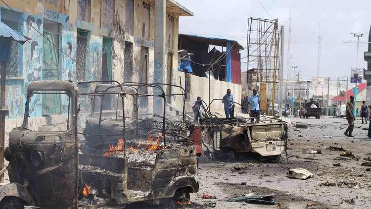 مقتل 20 شخصا بتفجيرات انتحارية تهز مقديشو