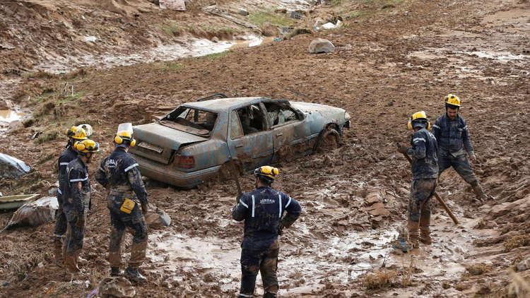 العراق يعرض على الكويت والأردن المساعدة في أزمة الفيضانات