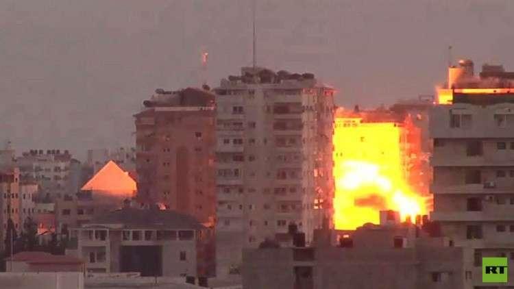استمرار التصعيد في قطاع غزة وعباس يدعو لوقف الهجوم الإسرائيلي
