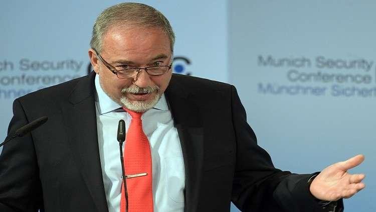 أنباء عن نية ليبرمان مغادرة حكومة نتنياهو