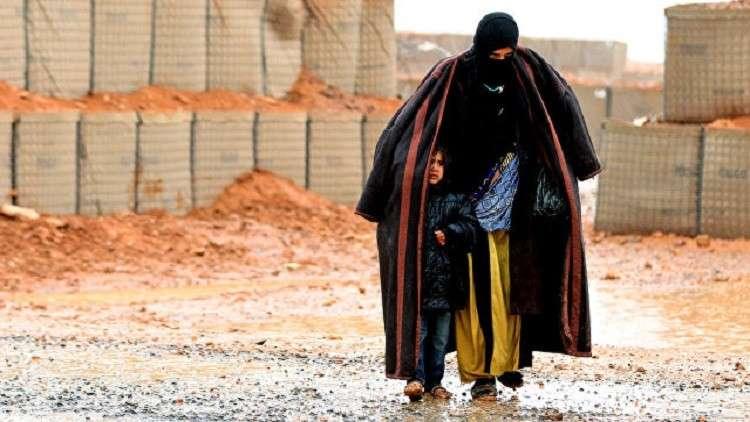 100 نازح شهريا يموتون بالعدوى في مخيم