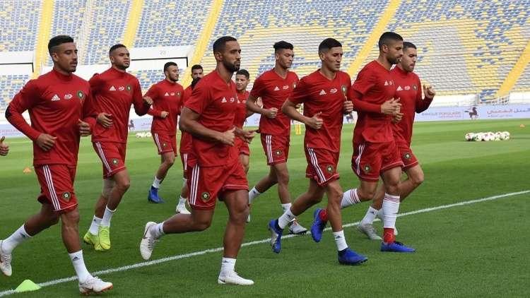 لاعبو المغرب يصلون بـ