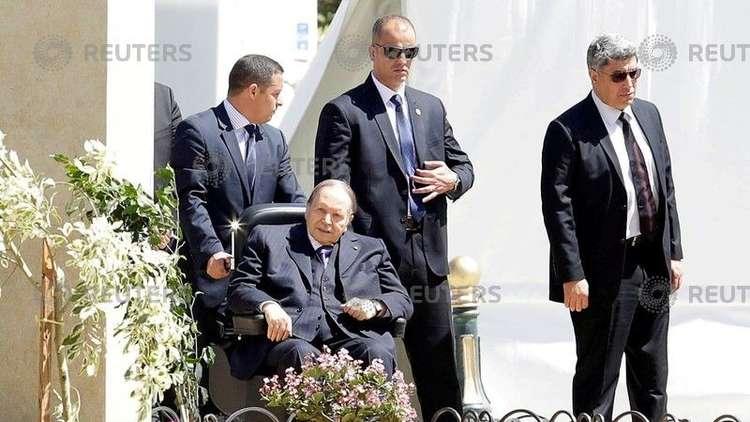 بوتفليقة يبرق للرئيس الفلسطيني