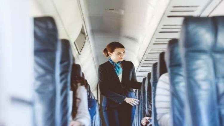 أسرار الرحلات الجوية.. إذا كنت من بين هؤلاء فأنت تحت رقابة طاقم الطائرة!