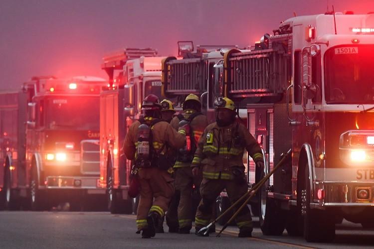 9 قتلى في كاليفورنيا وترامب يعلن الطوارئ