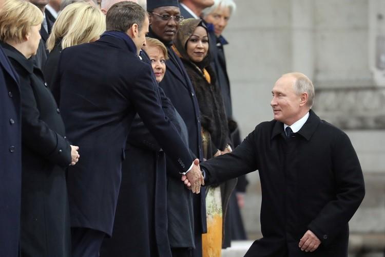 في باريس.. بوتين يلفت أنظار قادة 70 دولة دفعة واحدة