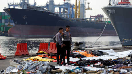 """ممتلكات ركاب طائرة """"ليون آير"""" قبالة جزيرة جاوة الإندونيسية في الـ29 من أكتوبر الماضي"""