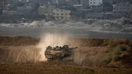 دبابة إسرائيلية على حدود قطاع غزة