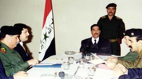 وزير الدفاع الأسبق في عهد الرئيس الراحل صدام حسين سلطان هاشم