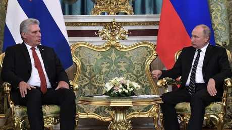الرئيس الروسي فلاديمير بوتين ورئيس مجلس الدولة الكوبي ميغيل كانيل دياز