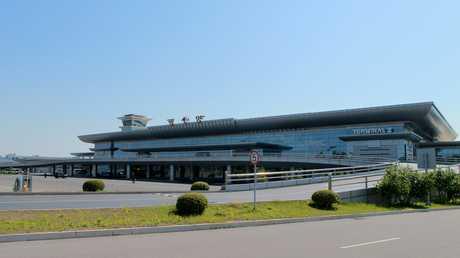 مطار سونان الدولي في بيونغ يانغ، كوريا الشمالية