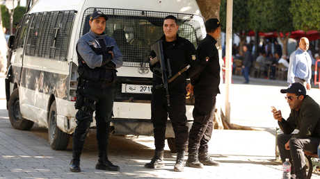 رجال الأمن في عاصمة تونس