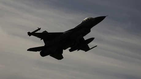 """مقاتلة إسرائيلية من طراز """"F-16"""""""
